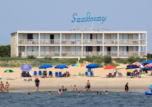 The beach at Seabonay Motel Ocean City.