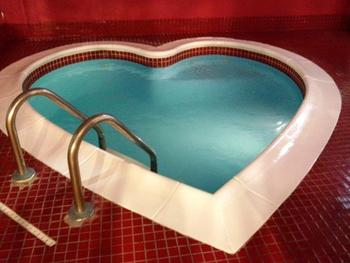 Indoor heart jacuzzi at Cove Haven Entertainment Resorts.