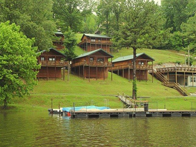 Holiday Hills Resort (Eddyville, KY)