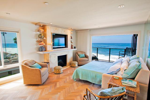 Vacation rental interior view of Seabreeze Vacation Rentals, LLC.