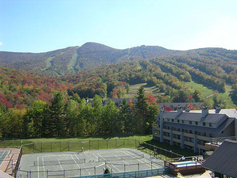 The village of loon mountain lincoln nh resort for Ski cabins in new hampshire