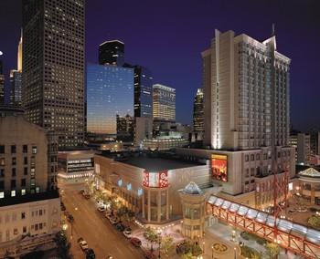 Exterior view of Graves 601 Hotel Minneapolis.