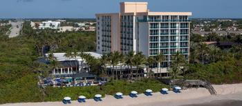 Exterior view of Jupiter Beach Resort.