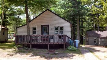 Cabins at Echo Bay Resort.
