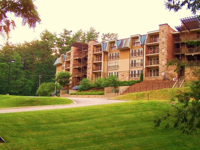 The residences at biltmore asheville nc resort for Biltmore cabins asheville nc