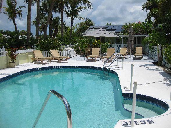 Palm tree villas anna maria island fl resort reviews for Palm tree villas 1