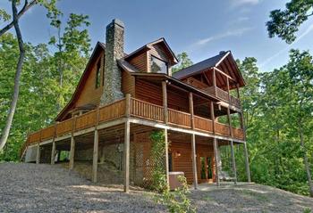 Cabin exterior at Mountain Top Cabin Rentals.