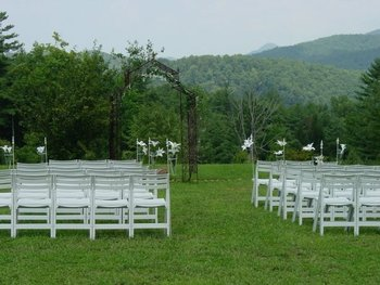 Outdoor wedding at Splendor Mountain.