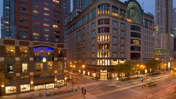 Exterior view of Omni Chicago Hotel.
