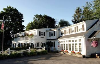 Exterior view of Hartwell House Inn & Conference Center.