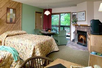 Lakeview room at Cragun's Resort.