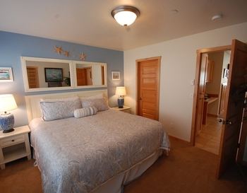 Vacation rental bedroom at Shorepine Vacation Rentals.