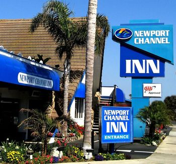 Exterior view of Newport Channel Inn.