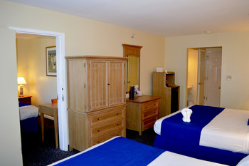 Adjoining rooms at White Sands.