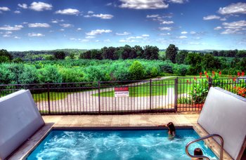 Vacation rental hot tub at Hocking Hills Luxury Lodging.