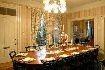 Dining room at Camellia Inn.