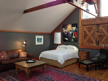 Guest room at Artists Inn.