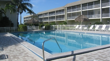 Outdoor pool at Sanibel Siesta Condominiums.