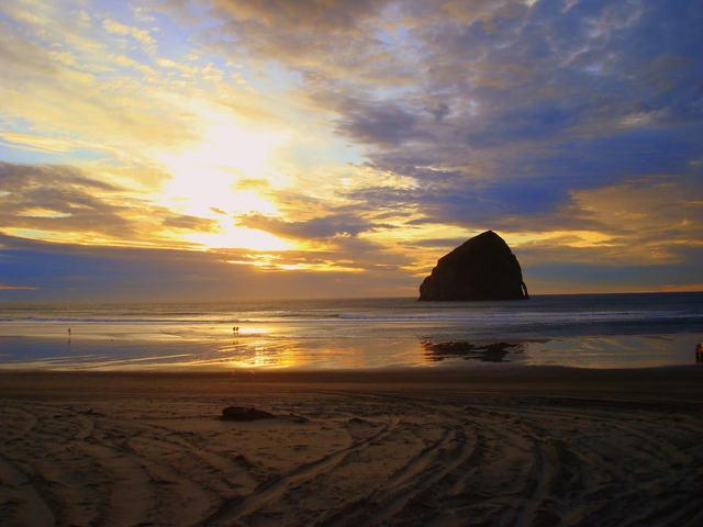 Beaches near Oregon Beach Vacations.