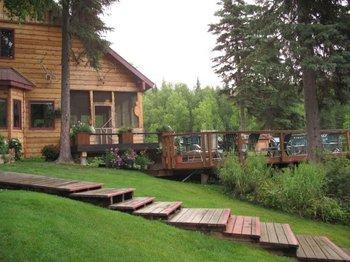 Resort view of Northwoods Lodge.