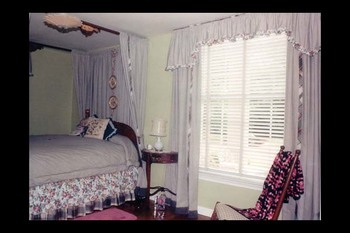 Guest room at Chilton Grand Bed & Breakfast.
