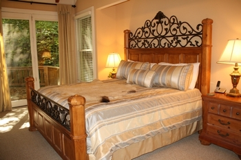Guest Room in Cabin at Foscoe Rentals