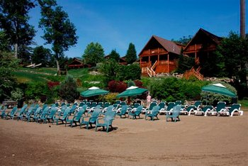 Beachfront Lodges at The Lodges at Cresthaven on Lake George