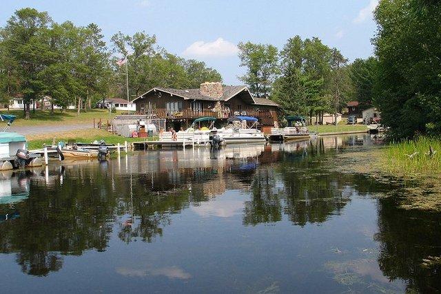 Popp 39 s resort crivitz wi resort reviews for Wisconsin ice fishing resorts