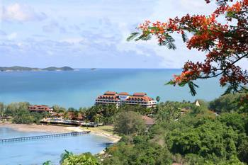 Exterior view of Rayong Resort Hotel Beach & Convention Center.