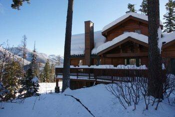 Cabin exterior at Five Star Rentals of Montana.