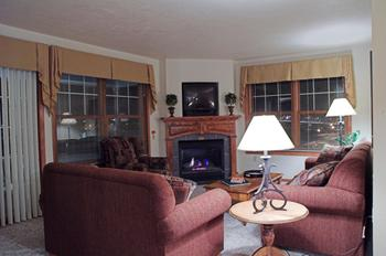 Guest living room at Bridgeport Waterfront Resort.
