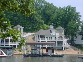 Vacation rental exterior at Your Lake Vacation/Al Elam Property Management.