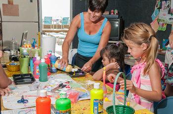 Kid's activities at Water's Edge Resort.