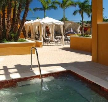 Outdoor Hot Tub at Bellasera Hotel