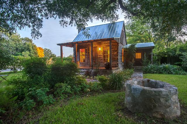 Bierschwale estate fredericksburg tx resort reviews for Cabins near fredericksburg tx