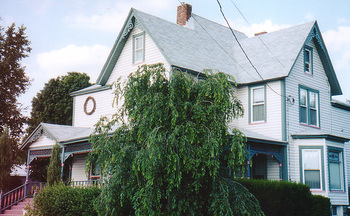 Exterior view of Three Gables Inn B & B.