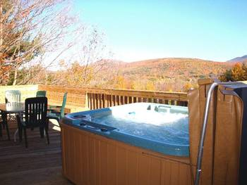 Outdoor Hot Tub at Cuomo's Cove