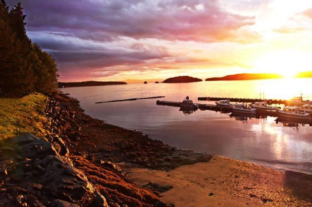 Sunset at Salmon Falls Resort.