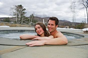 Outdoor hot tub at Topnotch Resort.