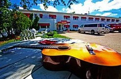 Live music venues held at Holiday Music Motel.