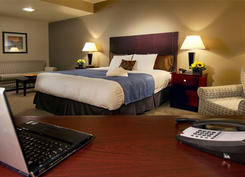 Guest Room at Nichols Village Hotel and Spa