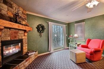 Fireplace living room at Glenlaurel Inn.