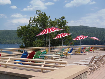 Lakeside Rooftop Terrace at Surfside on the Lake