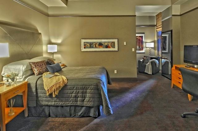 Guest room at Dallas Magnolia Hotel.