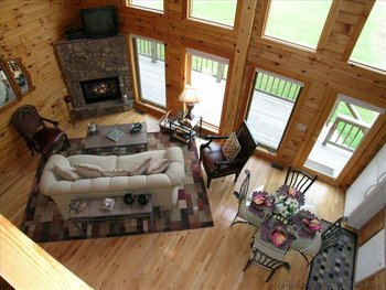 Living room area at Golden Anchor Cabins.