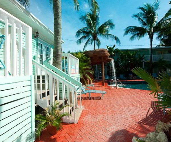 lighthouse resort inn suites fort myers beach fl. Black Bedroom Furniture Sets. Home Design Ideas
