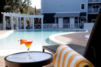 Outdoor pool at Hampton Inn & Suites Jekyll Island