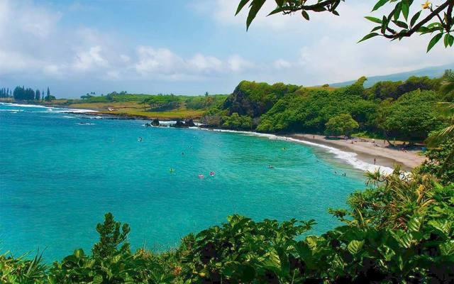 Beach shoreline at Travaasa Hana.