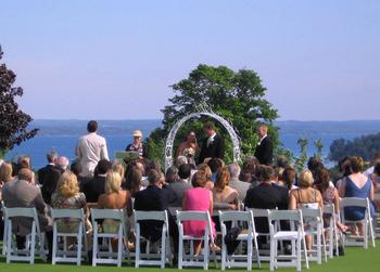 Outdoor wedding at A-Ga-Ming Golf Resort.