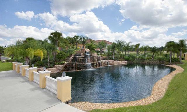 Vacation pool homes kissimmee fl resort reviews for Pool show orlando